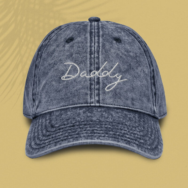 Dad hat with an handwritten embroidery. The word Daddy is written in white or purple depending on the color. Cap - LGBTQ+ Gay Pride Apparel - daddy vintage cap