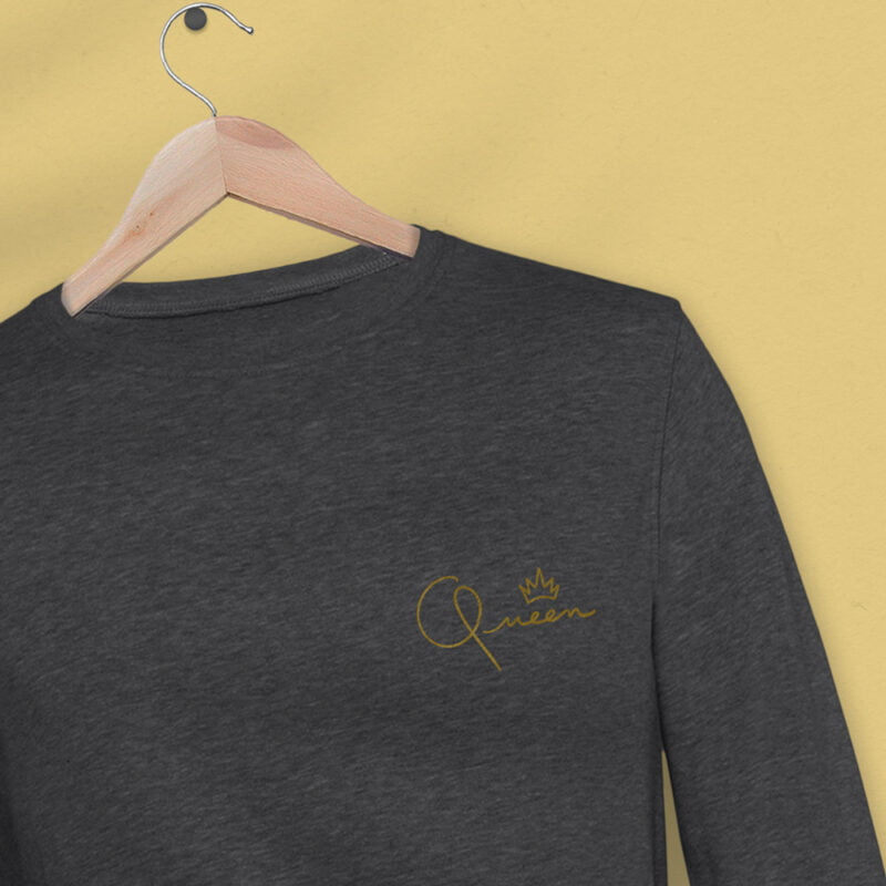 Regular fit sweat with the word Queen embroidered in the left chest. The embroidery is golden because true queens can only wear gold. Sweats - LGBTQ+ Gay Pride Apparel - queen reg 2