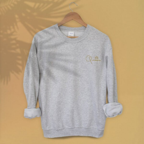 Queen Gold embroidery - Unisex relax fit Sweatshirt